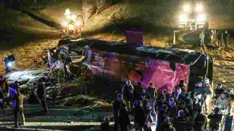 У Північній Македонії 14 людей загинули через падіння автобуса в десятиметрову ущелину