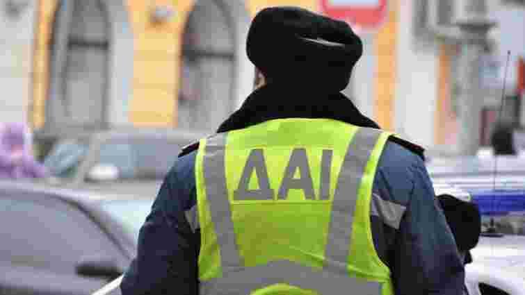 Засуджених за переслідування Автомайдану двох екс-працівників ДАІ звільнили від покарання