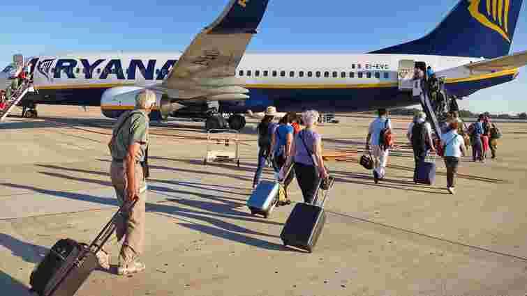 Ryanair і Wizz Air оштрафували на 4 млн євро за нові правила провезення багажу