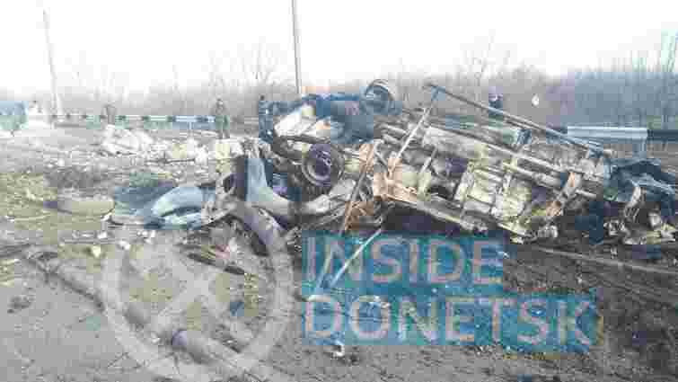 На окупованому Донбасі підірвався на міні мікроавтобус з цивільними пасажирами