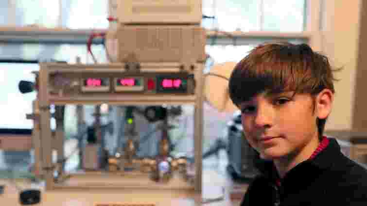 12-річний американський школяр зібрав ядерний реактор у своїй кімнаті