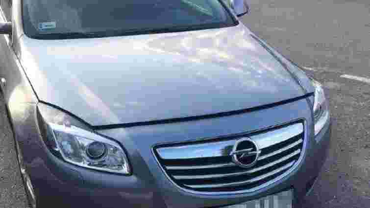 На кордоні з Польщею на Львівщині затримали два автомобілі, які розшукував Інтерпол