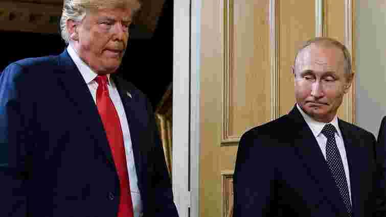 Трамп заявив, що телефоном обговорив з Путіним Україну