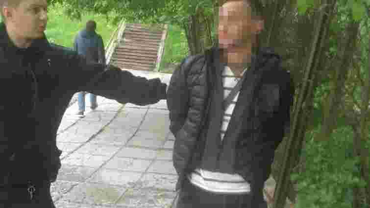 Львівські патрульні затримали 37-річного чоловіка, який вимагав викуп за вкрадені речі