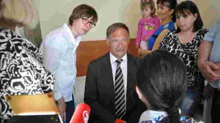 У Львові чотири дні оперуватиме дітей відомий пластичний хірург з Німеччини
