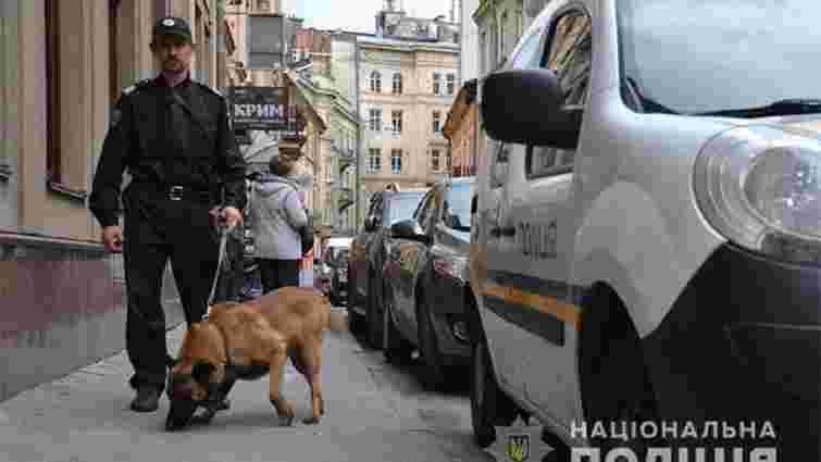 У Львові поліція перевіряє чергові п'ять готелів, які назвали у повідомленні про замінування