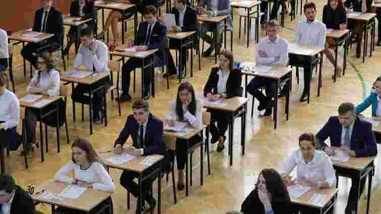 В Польщі невідомі «замінували» 663 школи в день тестування з математики