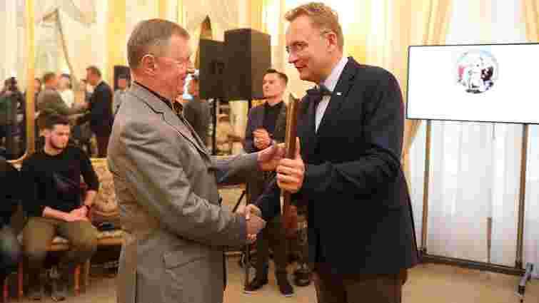 Міський голова Львова відзначив нагородами енергетиків з нагоди 125-річчя електрифікації області