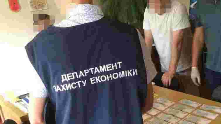 Директора Палацу культури у Новояворівську оштрафували на 17 тис. грн за  хабар