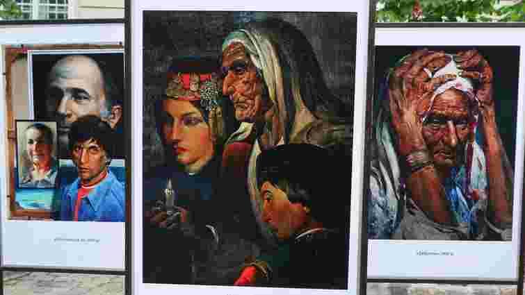 У центрі Львова відкрили виставку картин про депортацію кримських татар