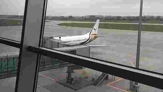 Із львівського аеропорту майже добу не може вилетіти літак на Анталію