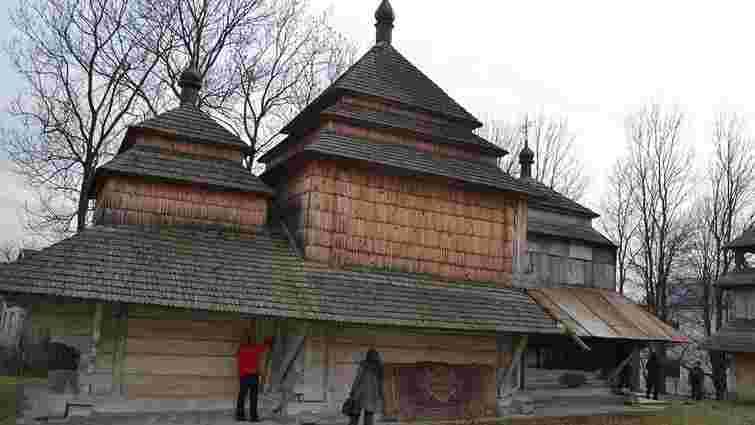 Парафія маленького села на Львівщині збирає кошти на реставрацію дерев'яної церкви XVII століття
