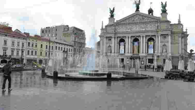 Демонтаж фонтану перед Львівським оперним розпочнуть 10 червня