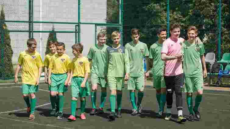 Львів'ян просять допомогти зібрати гроші для участі дітей-сиріт у чемпіонаті світу з футболу