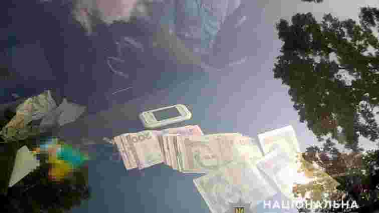 Суд оштрафував львівського митника на суму вдвічі меншу, ніж отриманий хабар