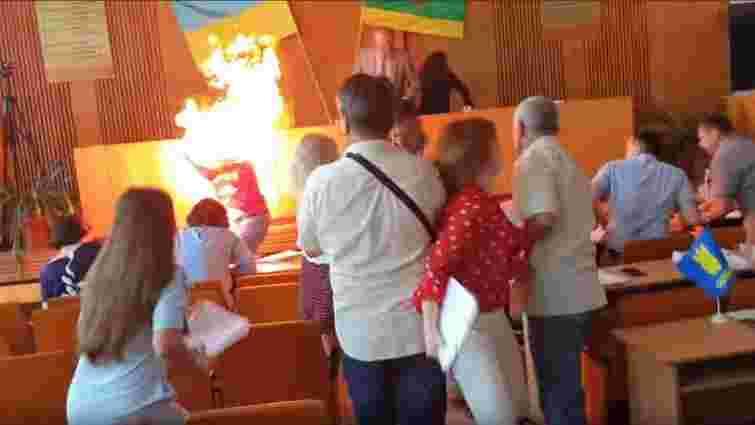Підприємець з Бердичева спробував спалити себе на сесії міської ради