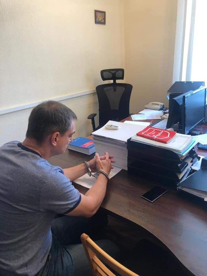 Роман Лягін у кайданках, фото з Facebook Юрія Луценка