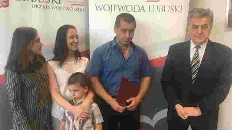Українського водія у Польщі нагородили грамотою за порятунок людей в аварії
