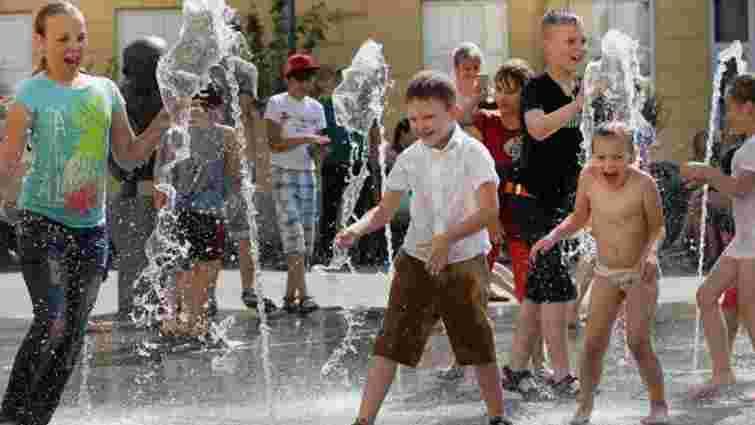 У Львові 11-річний хлопчик травмував ногу під час розваг у фонтані