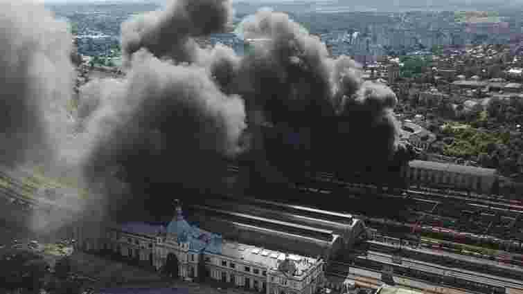 Масштабна пожежа біля львівського вокзалу