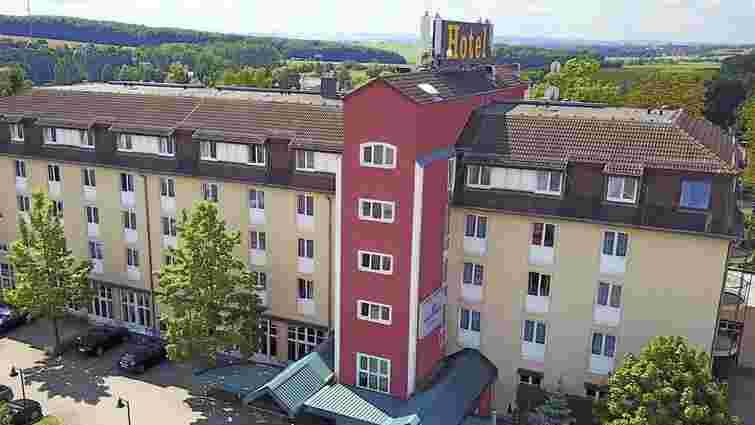 Дрогобицький лісник випав з вікна готелю під час відрядження у Німеччині