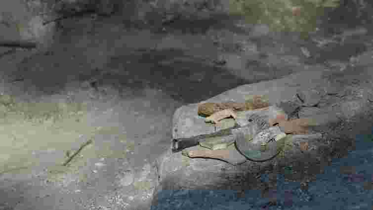 Археологи натрапили на кераміку ХІІІ століття під час розкопок на площі Галицькій у Львові
