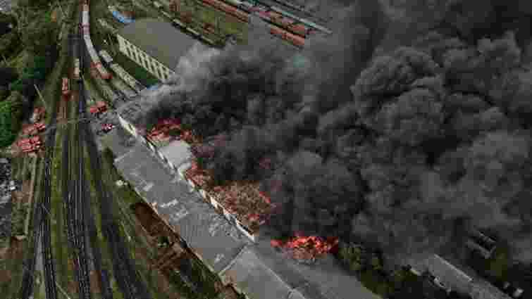 Причиною масштабної пожежі біля головного залізничного вокзалу Львова міг бути підпал