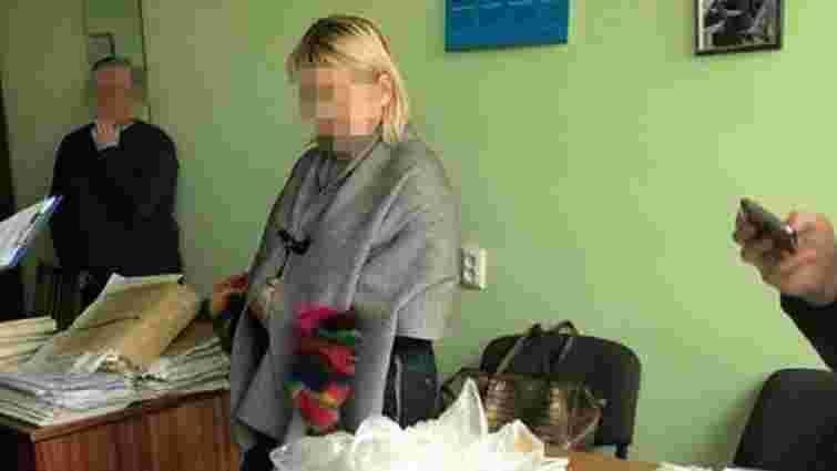 За отримання хабара львівський суд оштрафував працівницю БТІ на 5 тис. грн