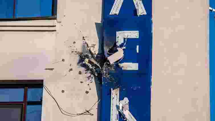 У Києві невідомі обстріляли будівлю телеканалу «112 Україна»