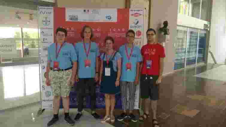 Львівські школярі отримали три медалі на Міжнародній учнівській олімпіаді з хімії у Франції