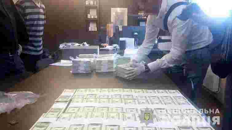 Топ-чиновників «Інституту охорони ґрунтів України» та ДП затримали на хабарі в 1,5 млн доларів