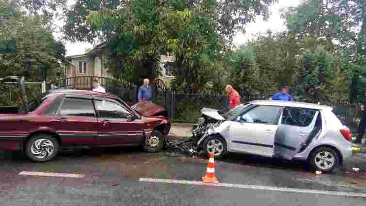 Внаслідок ДТП у Кам'янці-Бузькій постраждали п'ятеро осіб