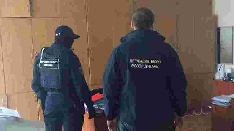 ДБР проводить обшуки на Волинській митниці через схеми з «євробляхами»