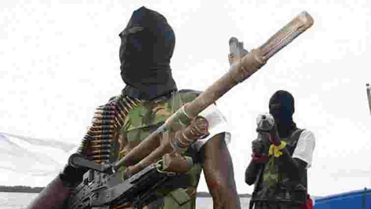 Поблизу берегів Африки нігерійські пірати захопили судно з українськими моряками на борту