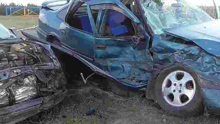 У ДТП на Тернопільщині загинули двоє людей, четверо отримали травми