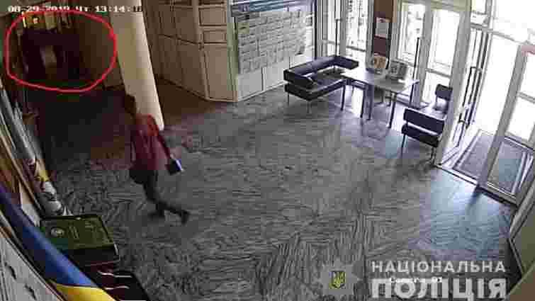 Секретар міськради Борисполя, якого Зеленський назвав «розбійником», побив активіста