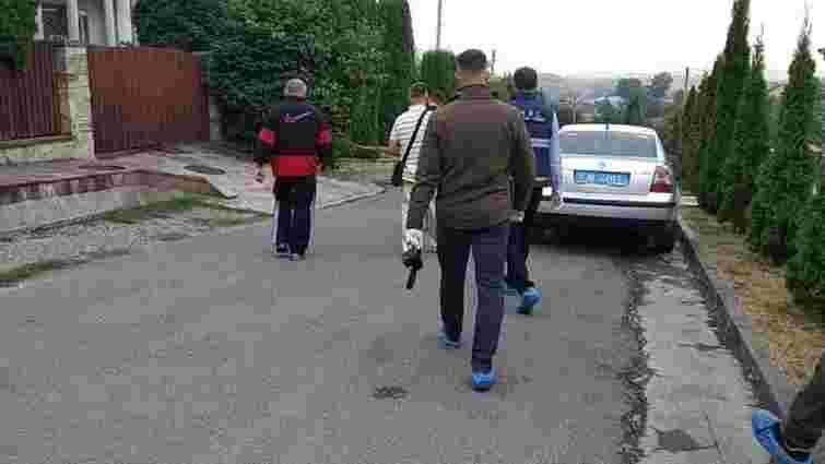 Ректор ТНЕУ і його дружина поранені внаслідок замаху у Тернополі