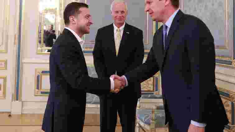 Американські сенатори, яких не пустили в РФ, зустрілися із Зеленським