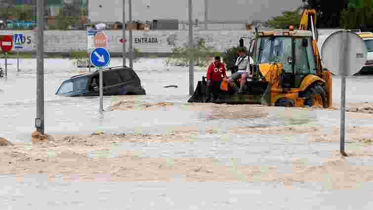 Через сильні дощі в Іспанії загинули шестеро людей
