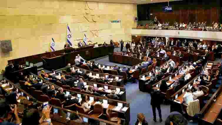 На повторних позачергових виборах в парламент Ізраїлю знову лідирують дві партії