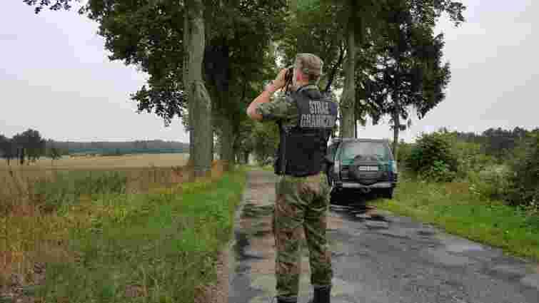 У Польщі затримали українця, підозрюваного у перевезенні мігрантів до Великої Британії
