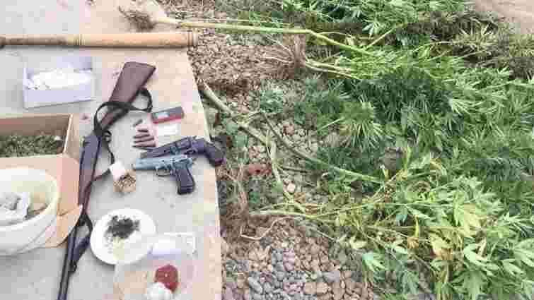 Правоохоронці затримали чотирьох львів'ян, які збували наркотики через Інтернет