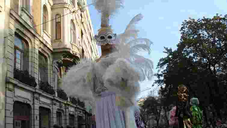 У центрі Львова зупинятимуть рух транспорту через карнавальну ходу