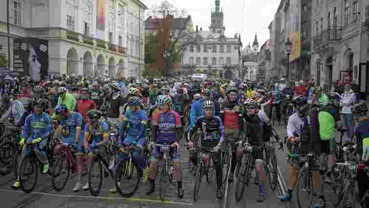 Близько 1000 велосипедистів взяли участь у заїзді «Львівська Сотка. Осінь»