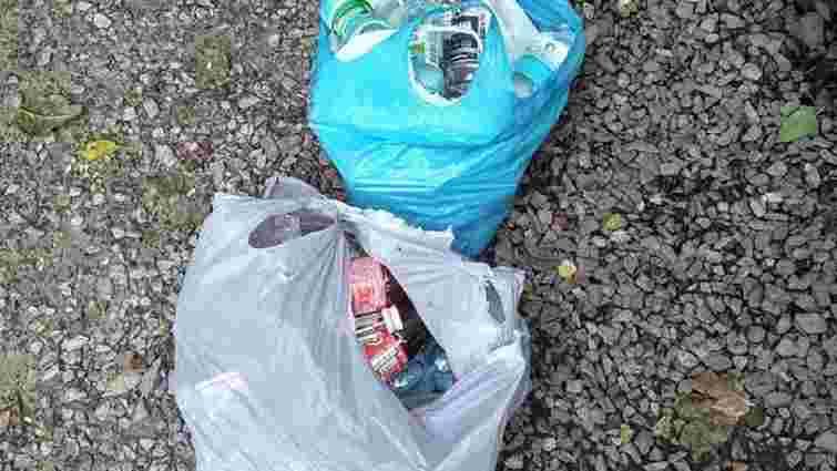33-річну львів'янку затримали за торгівлю підробленим алкоголем на вулиці