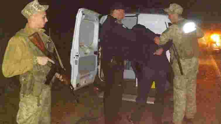 Озброєні розбійники у масках напали на будинок польського фермера на Львівщині