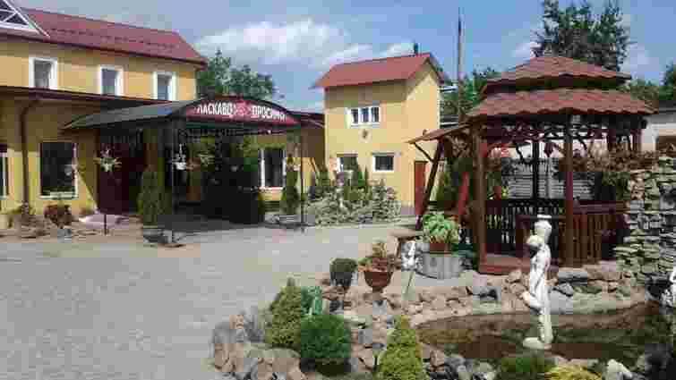 У самбірському кафе «Соната» на святкуванні дня народження отруїлася 1,5-річна дитина