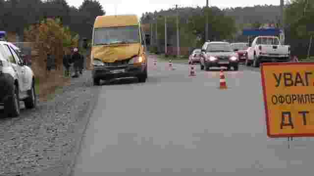 Внаслідок зіткнення із мікроавтобусом біля Золочева загинув мотоцикліст