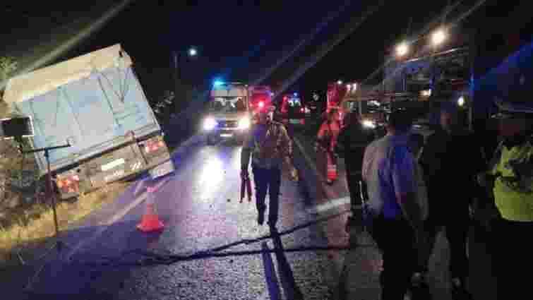 10 людей загинули внаслідок зіткнення пасажирського автобуса з вантажівкою в Румунії
