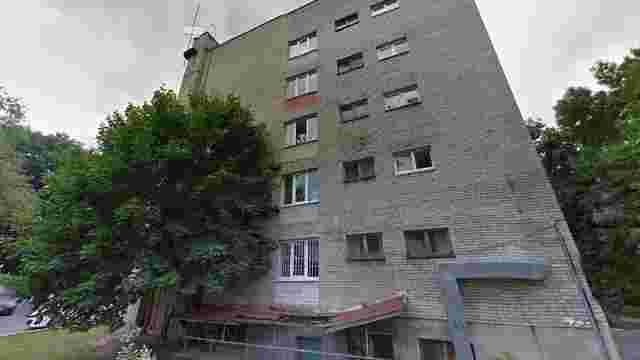 У львівській лікарні помер 19-річний студент, який випав з вікна гуртожитку